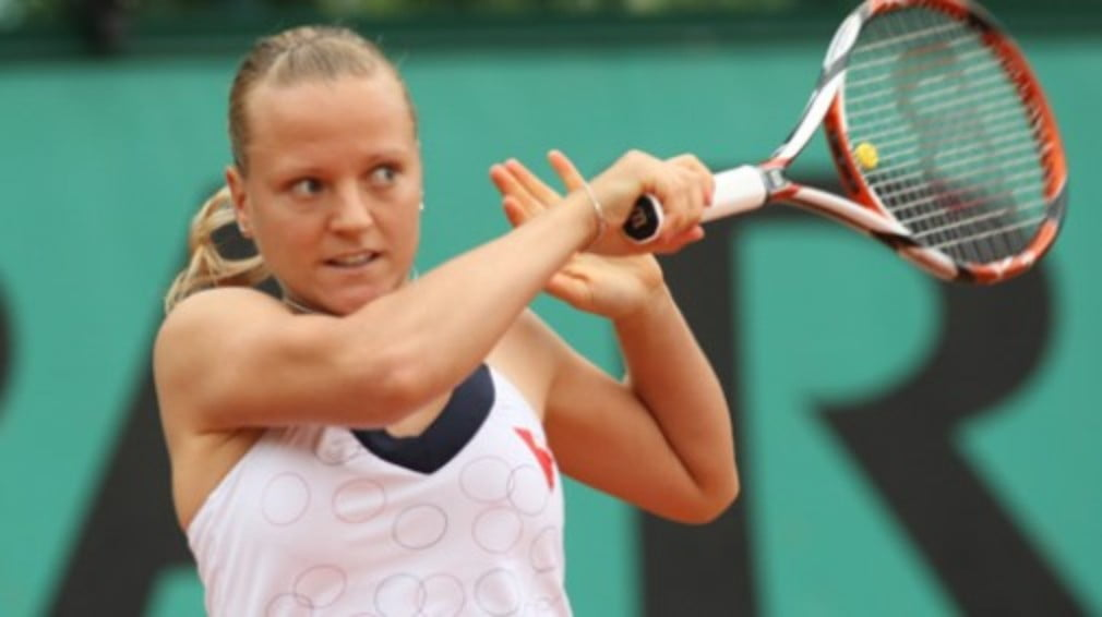 Top seed and home favourite Anges Szavay failed to find her rhythm on clay
