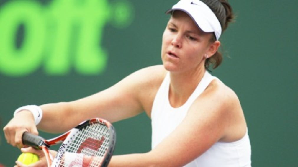 The American has failed to recover from the knee injury that has blighted her return