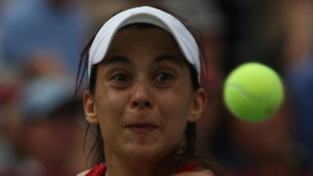 Bad day at the office for Marion Bartoli as she pulls out of her first round match in Cincinnati with abdominal pains...