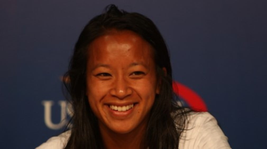 Tennishead blogger Anne Keothavong is into the third round of the US Open after beating 25th seed Francesca Schiavone.