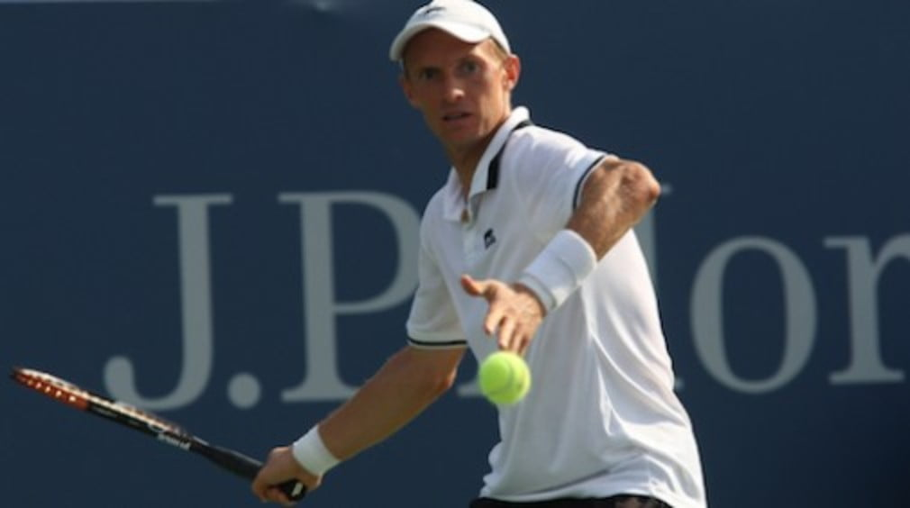 Russian Nikolay Davydenko has been confirmed as the fifth man to qualify for the ATP's Tennis Masters Cup in China.