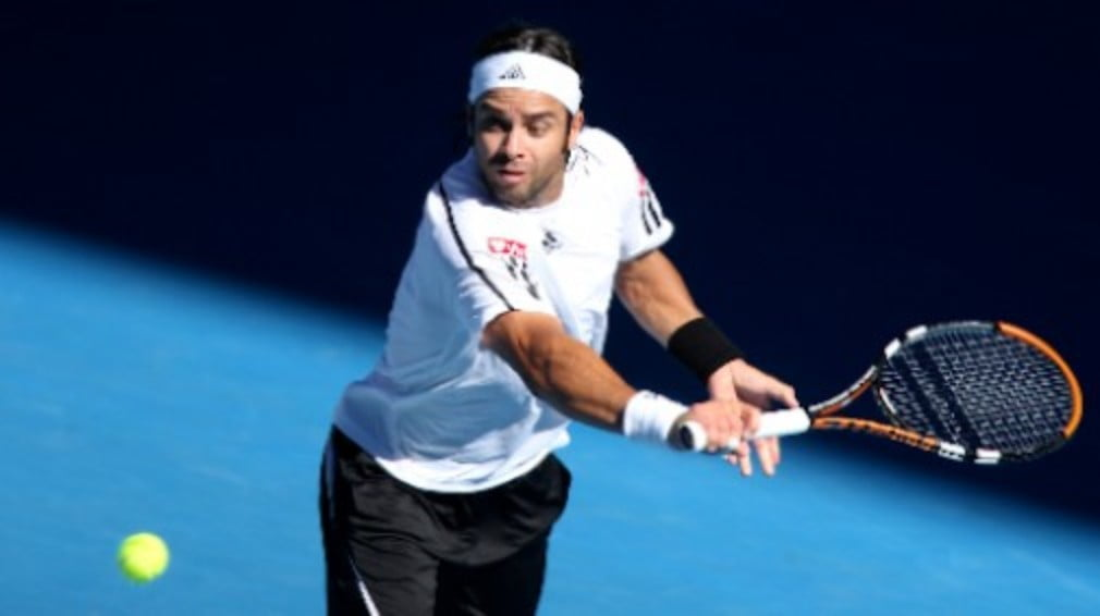 Chilean Fernando Gonzalez lived to fight another day after a scare in his first match at the Movistar Open in Vina del Mar on Wednesday.