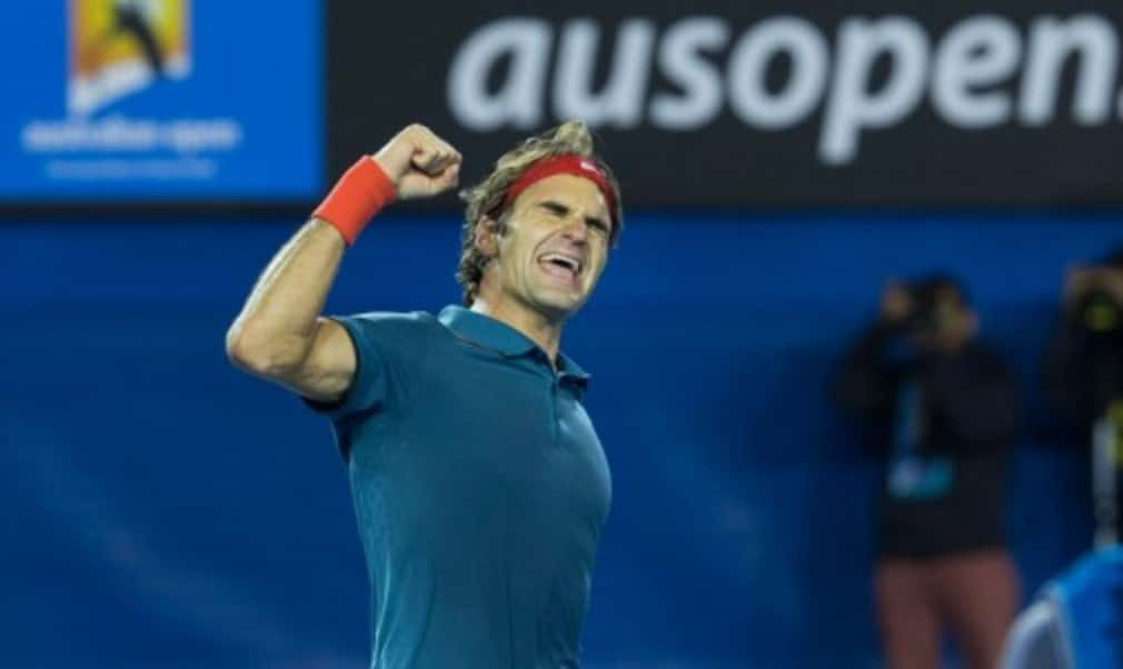 Roger Federer reached the last four of the Australian Open for the 11th time in a row as he defeated Andy Murray to set up a hotly-anticipated semi-final with world No.1 Rafael Nadal