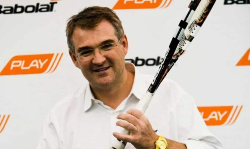 The worldŠ—Ès first interactive tennis racket could feature at this yearŠ—Ès Championships as the Babolat Pure Drive Play goes on sale on May 19