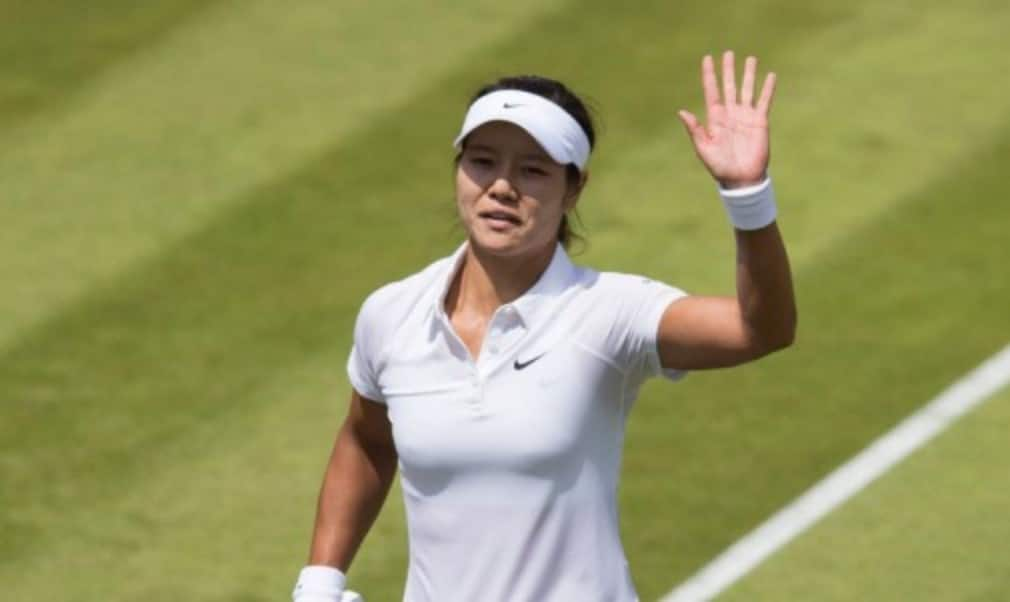 Two-time Grand Slam champion Li Na has announced her retirement with immediate effect