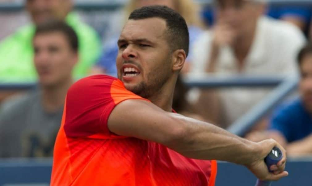Jo-Wilfried TsongaŠ—Ès hopes of qualifying for the Barclays ATP World Tour Finals have all but faded after the Frenchman was forced to withdraw from this weekŠ—Ès Shanghai Masters