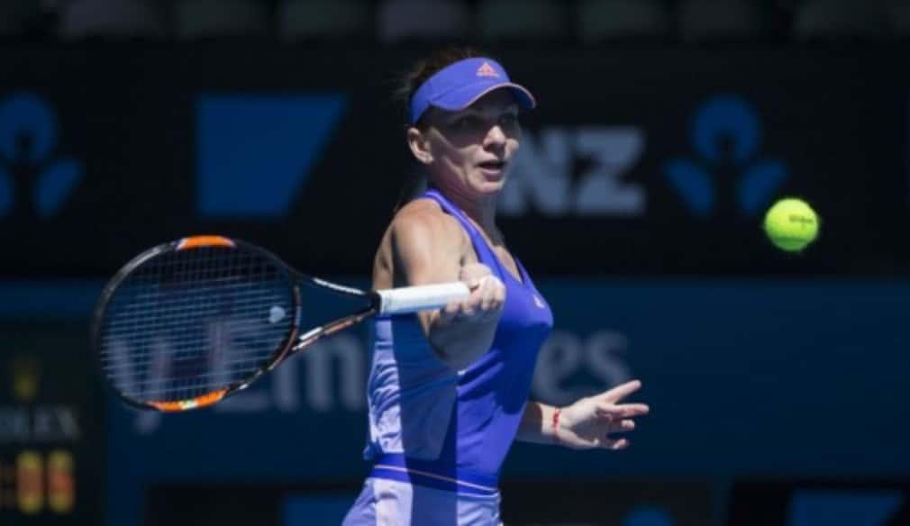 Simona Halep took just under an hour and a half to beat Italy's Karin Knapp 6-3 6-2