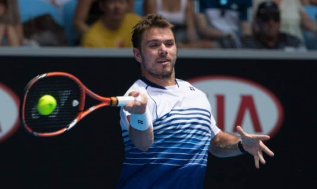 Stan Wawrinka took another step closer to the defence of his Australian Open title as he moved into the quarter-finals with victory over Guillermo Garcia-Lopez