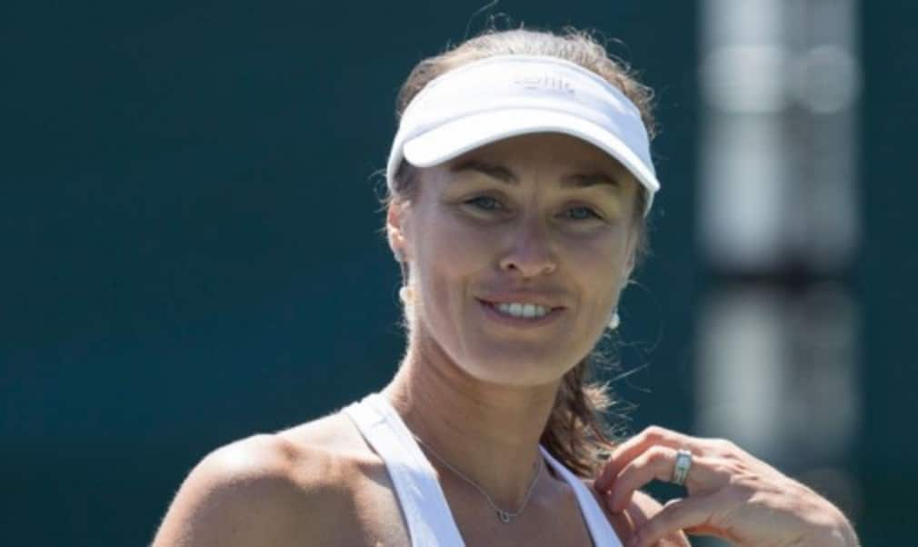 Martina Hingis won the ladies' singles title at Wimbledon in 1997 aged 16