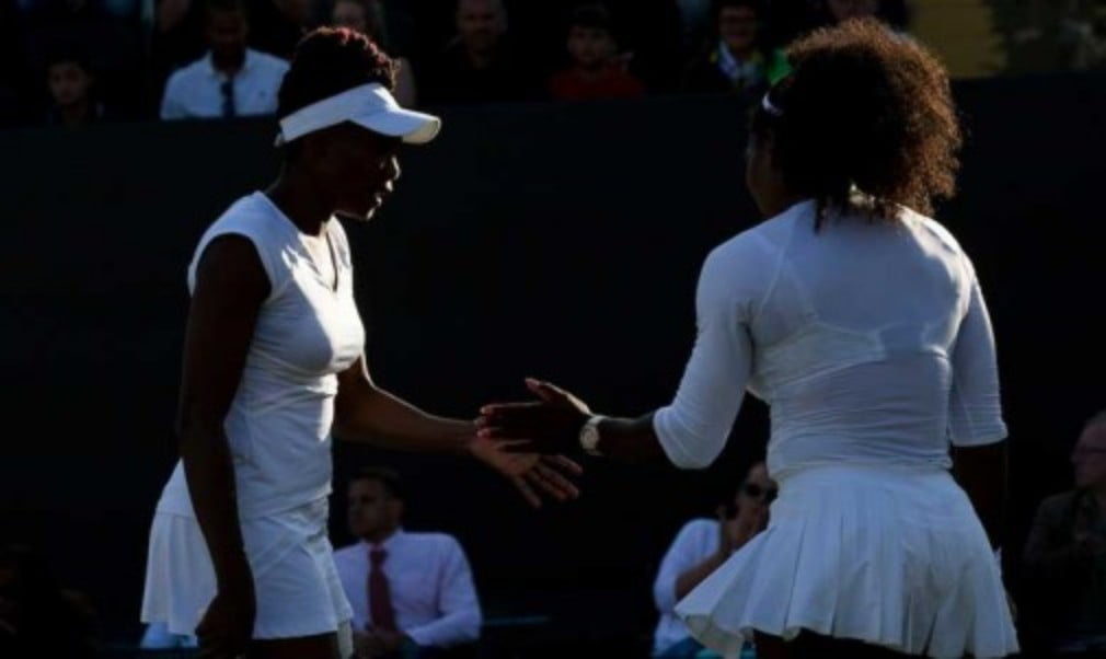 Former world No.1 Lindsay Davenport says Venus and Serena Williams are an inspiration as they continue to defy their years