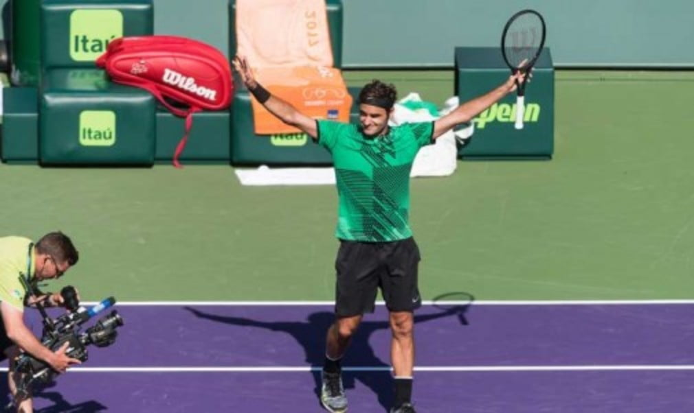 Roger Federer continued his impressive start to the season