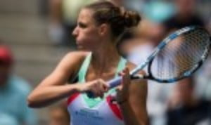 Karolina Pliskova made the perfect start to the BNP Paribas WTA Finals in Singapore by easing to a 6-2 6-2 win over Venus Williams