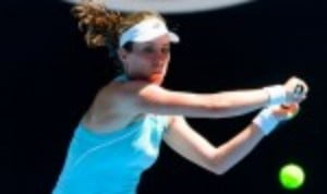 Johanna Konta passed her first test at the Qatar Open after a 7-6(5) 6-1 victory over qualifier Bernarda Pera