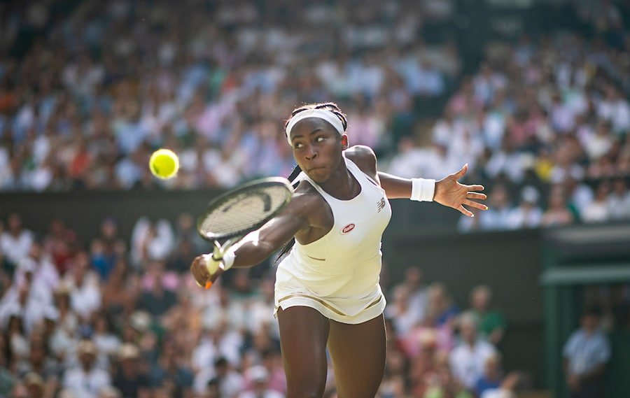 Coco Gauff reaching