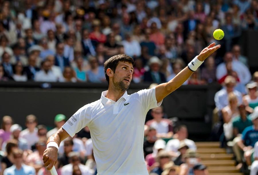 Djokovic Wimbledon 2019 serving