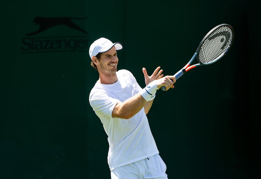 Andy Murray practises singles