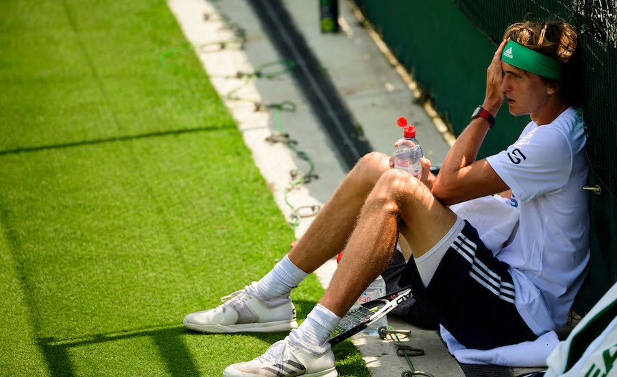 Alexander Zverev rests during practise at Wimbledon.jpg