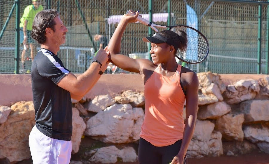 Coco Gauff receives coaching from Patrick Mouratoglou