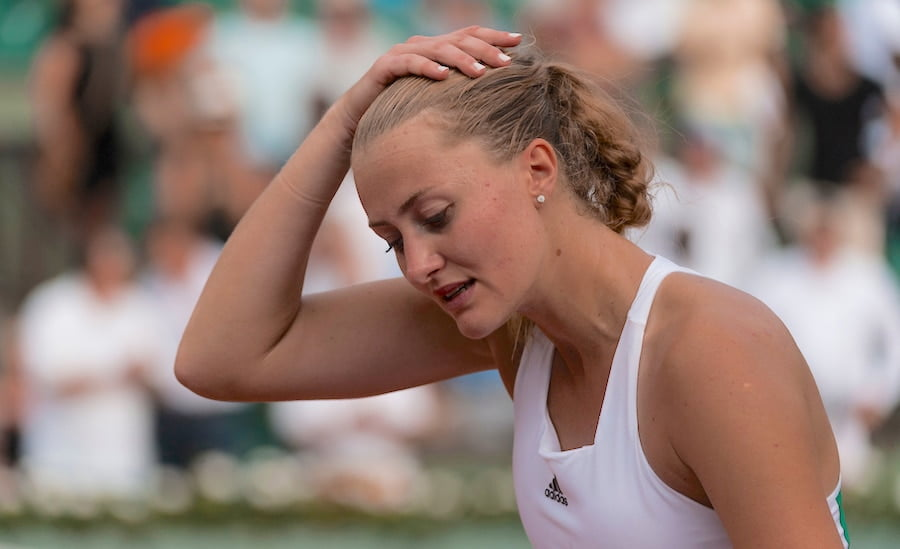 Kristina Mladenovic holds head French Open