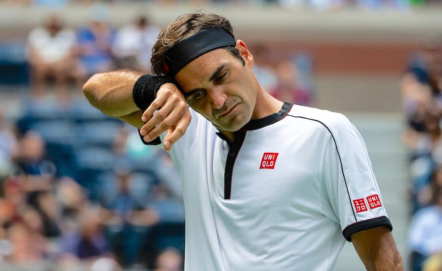 Roger Federer wipes brow at US Open 2019