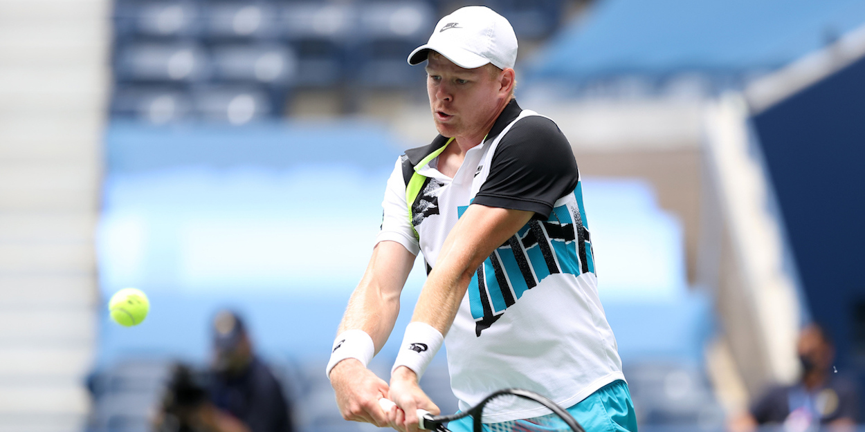 Kyle Edmund plays with the Wilson Pro Staff as does Roger Federer