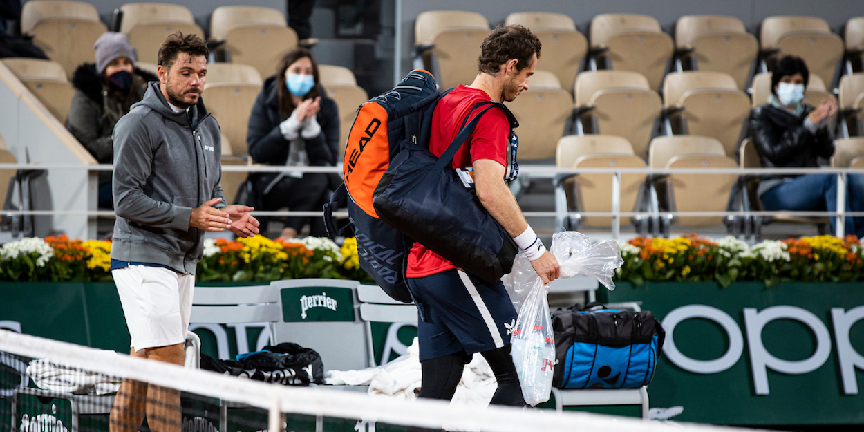 Andy Murray clapped off court by Stan Wawrinka