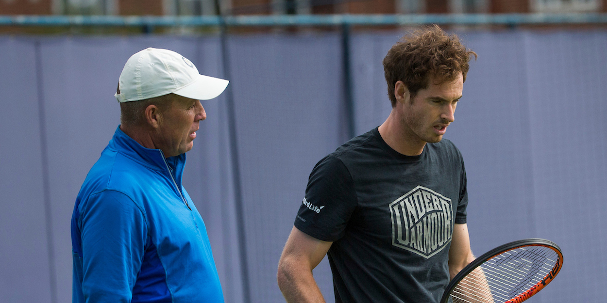 Andy Murray receives advice from Ivan Lendl