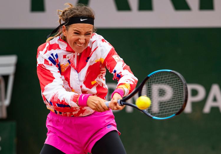 VICTORIA AZARENKA hits backhand at French Open 2020