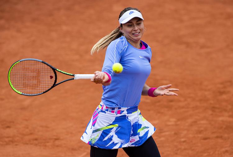 Paula Badosa moves into a forehand at Roland Garros 2020
