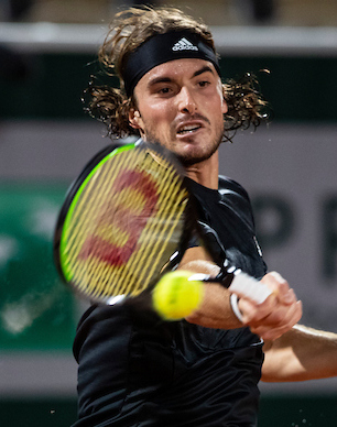 Stefanos Tsitsipas levelled the match from 2 sets down in his semi-final against Novak Djokovic but was troubled a leg injury in the decider