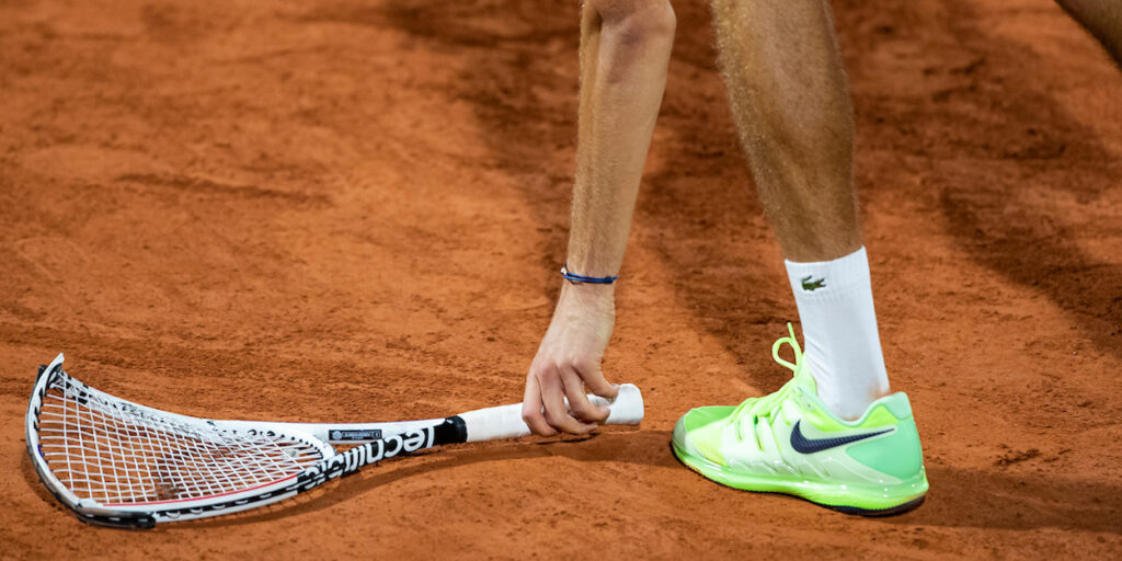 Daniil Medvedev broken racket French Open 2020