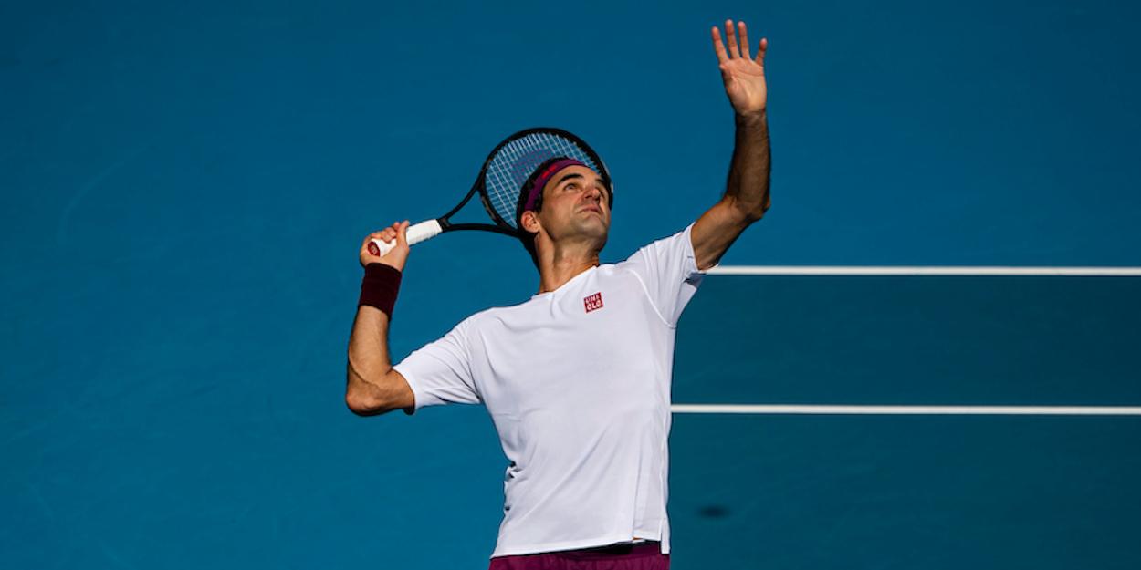 Roger Federer serving Australian Open 2020