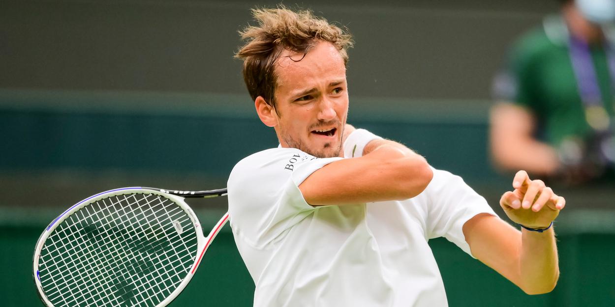 Daniil Medvedev Wimbledon 2021 Djokovic